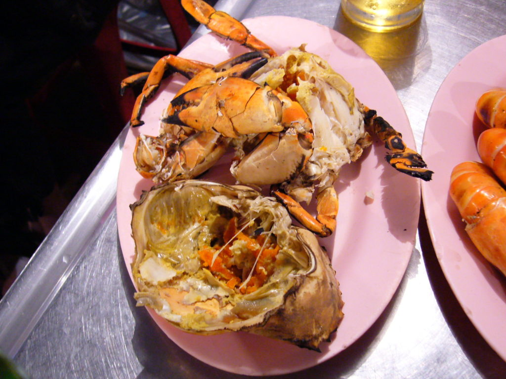 Barbecued crab with lots of roe